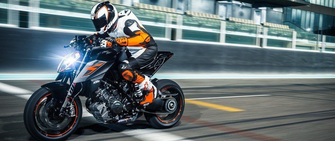 156661_KTM 1290 SUPER DUKE R MY 2017 (1)